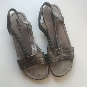 GUC Minnetonka pewter sandals - size 8